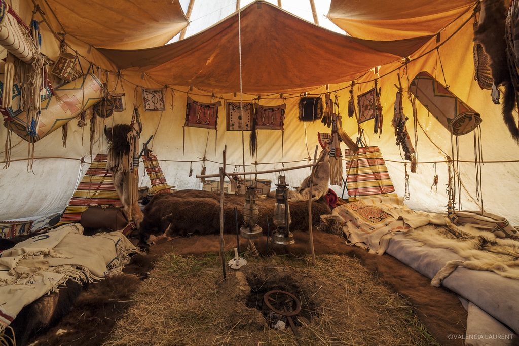 nouic le clan du bison french indian camp tipis pinterest tipi native americans and. Black Bedroom Furniture Sets. Home Design Ideas