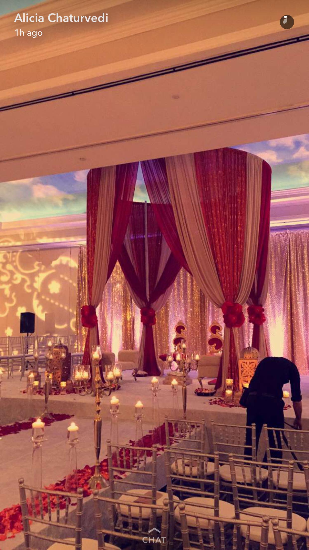 #mehndi #indianwedding #indianbride #sikhwedding #hinduwedding #indianbridal #henna #sangeet #indianbridaljewelry #indiangroom #sherwani #indianjewelry #indianbridalmakeup #indianbridalhair #indianweddingphotography #indianweddingdecor #elegancedecor
