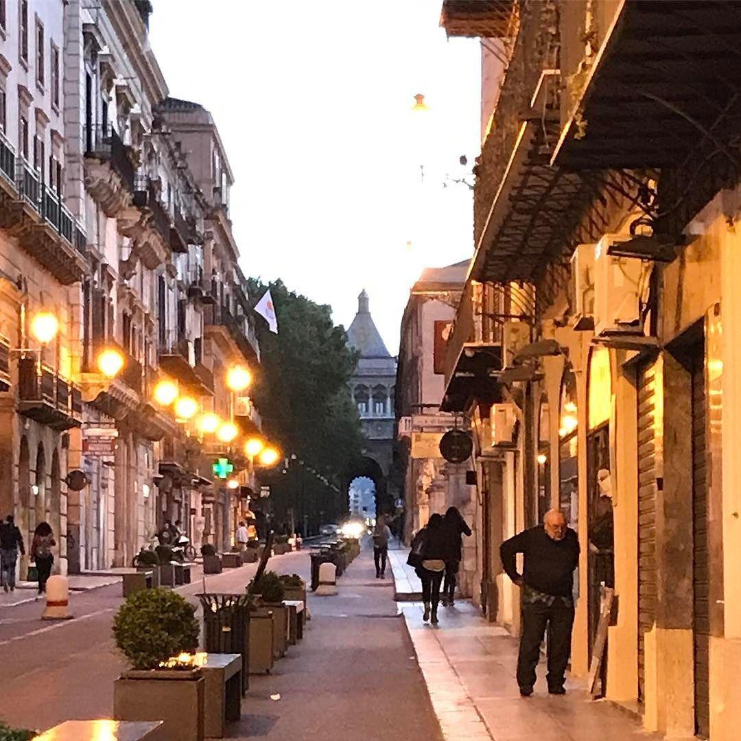 Increíble los rincones que tiene #Palermo #Sicilia #Italy