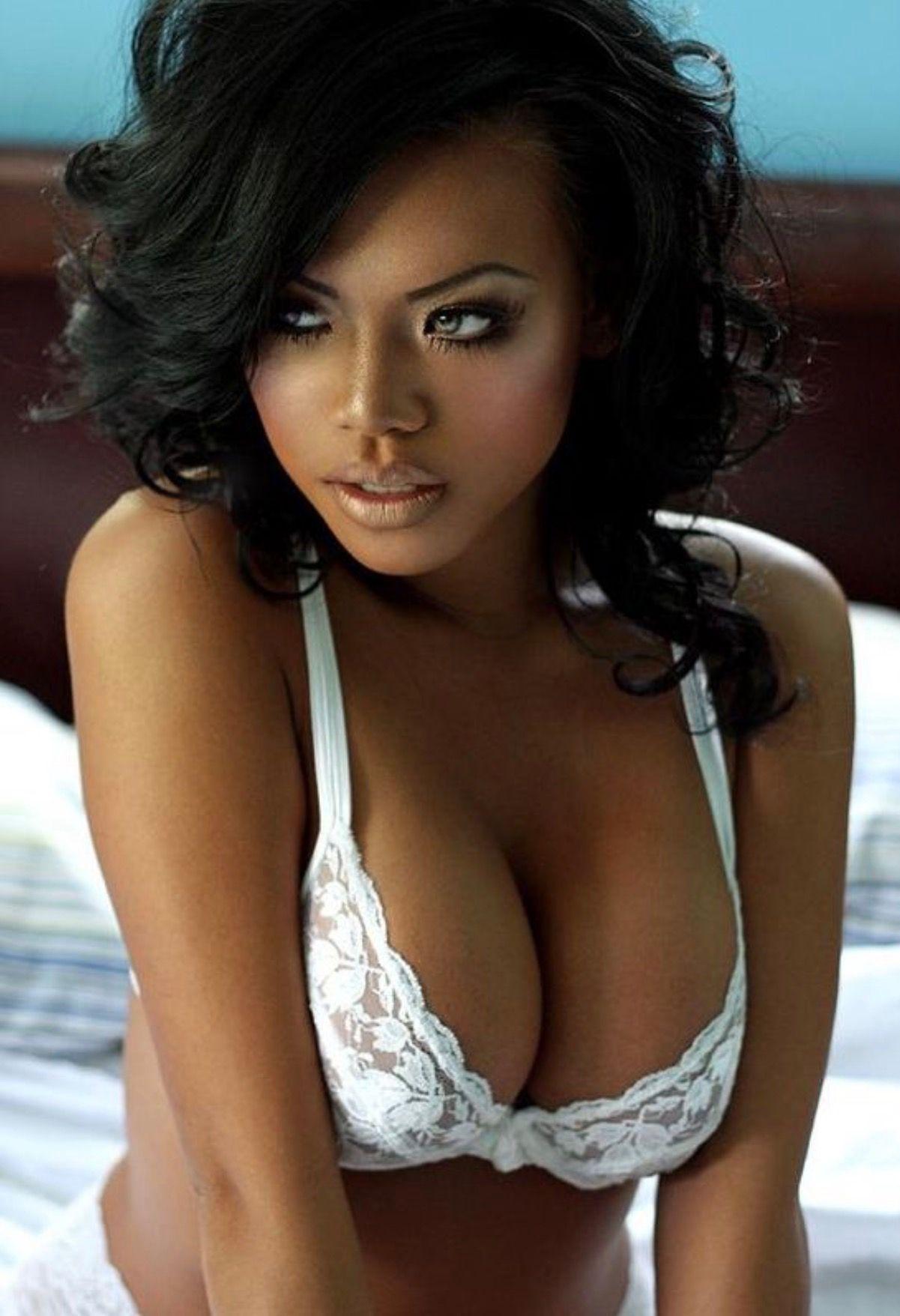 Sexy black lesbian booty fucked hard