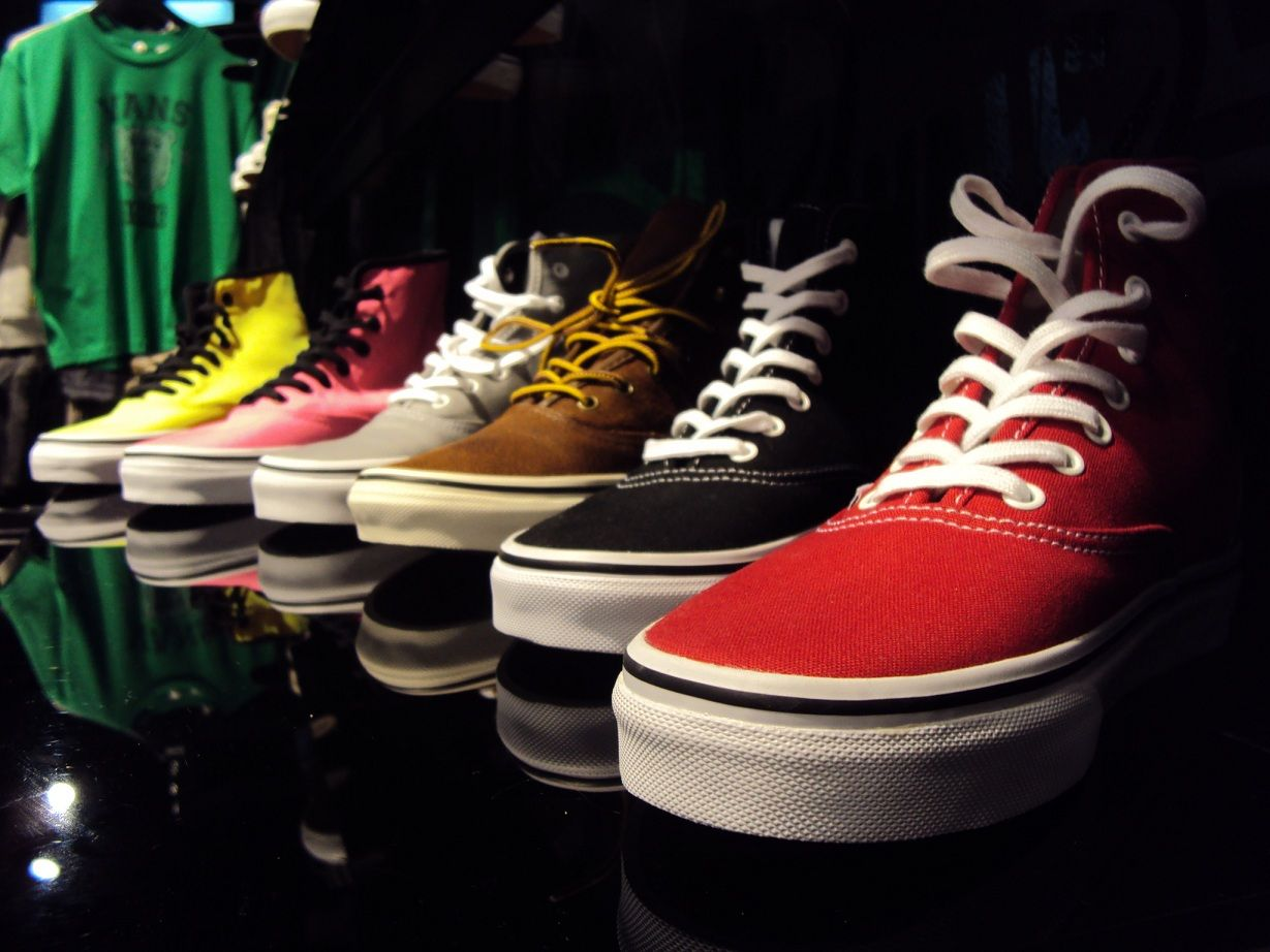 6f9aa8a58e Vans Authentic Hi neon yellow