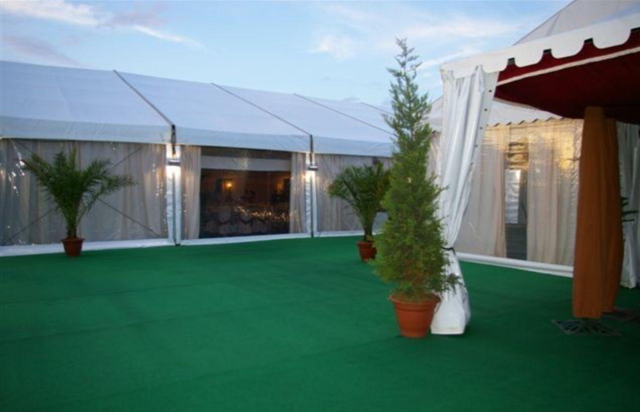 Carpa para #boda con suelo de moqueta verde