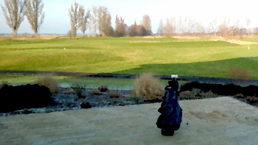 Wenn man sich auf der Runde auch auf die Natur um sich herum einläßt, dann kann Golf spielen sowas von entspannend sein. Ich habe mal versucht diese Stimmung in dem folgenden Video rüber zu bringen...