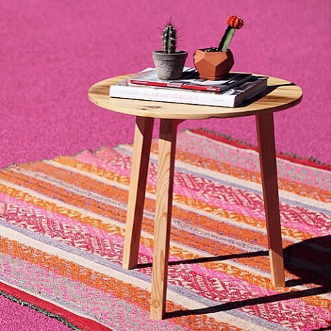 A sweet little winter escape daydreaming of Palm Springs and Miami Beach, our latest photo series is up on our site! Photo by @seaflowerstudio #cambieblog #Cambie #Design #Peruvian #Peru #Rug #Handmade #Handwoven #Wool