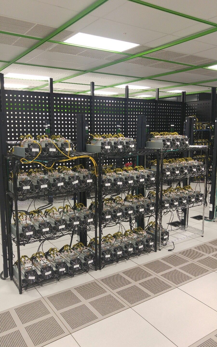 Lot of 5) Bitmain AntMiner S7 - 4 73 TH/s Bitcoin Miner