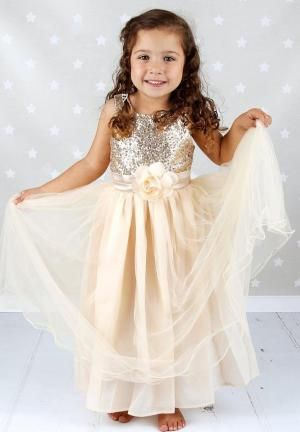 111ff012475 Flower Girl Outfits for Every Wedding Style