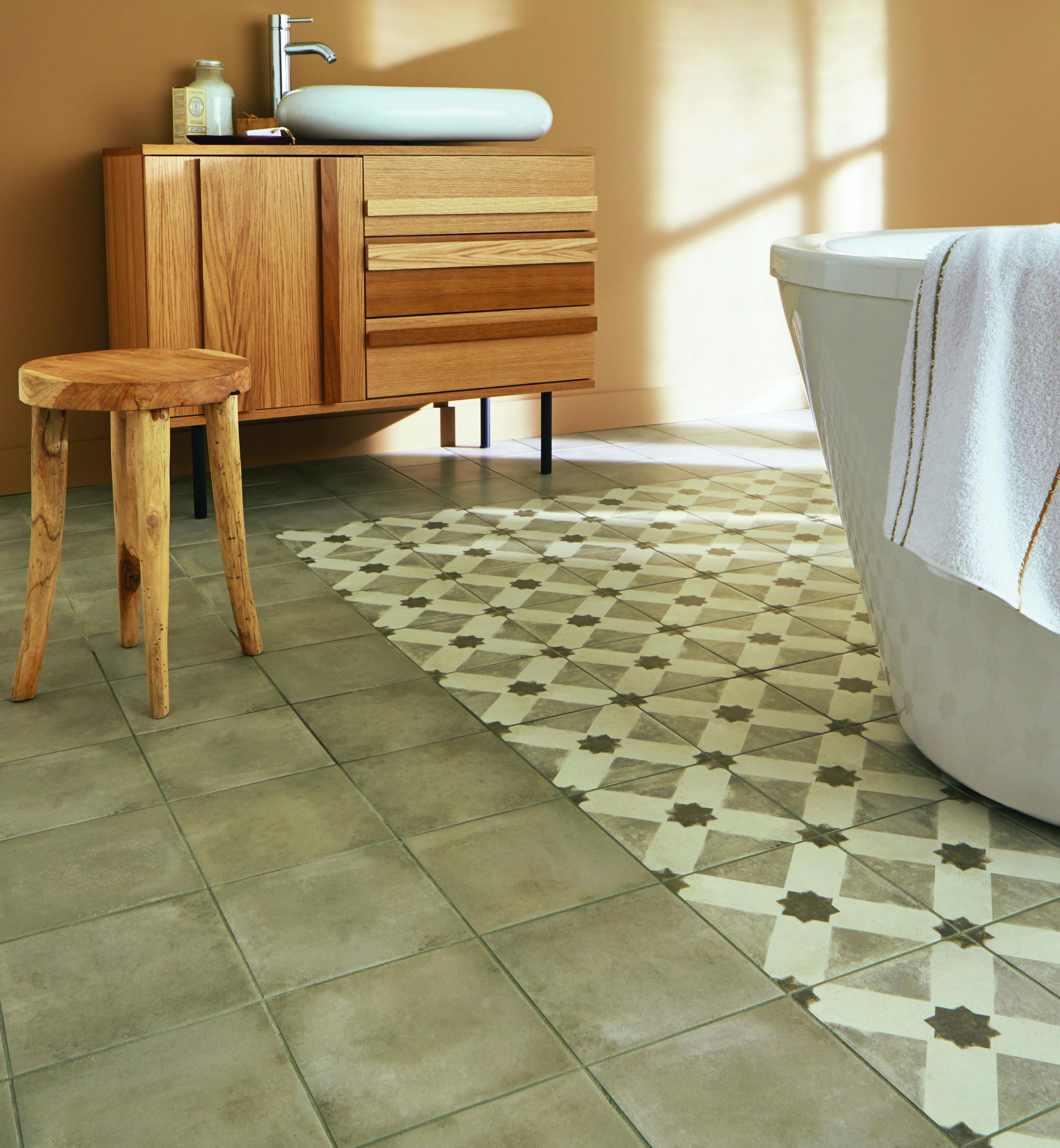 Carrelage casual aspect carreaux de ciment toile dim 20 - Comment poser du carrelage salle de bain ...