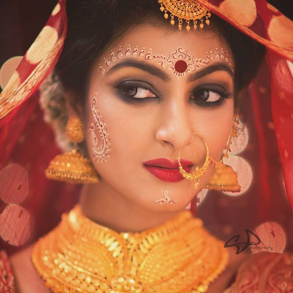 Bengali bridal gold jewellery - Bengali Saree Bengali Bride Bengali Wedding Wedding Sarees Indian Bridal Indian Models Indian Jewelry Blouse Indian Wedding