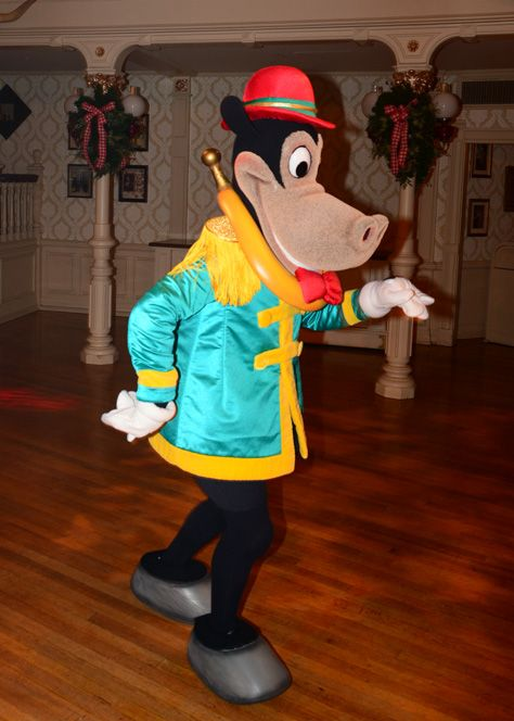 Mickey S Very Merry Christmas Party Review Kennythepirate Com Mickey S Very Merry Christmas Very Merry Christmas Party Christmas Party