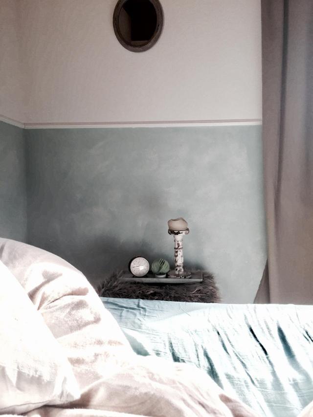 Pastellfarbenes Türkises Schlafzimmer. Zwischen Vintage Und Boho   # Schlafzimmer #bett #wandgestaltung #interior