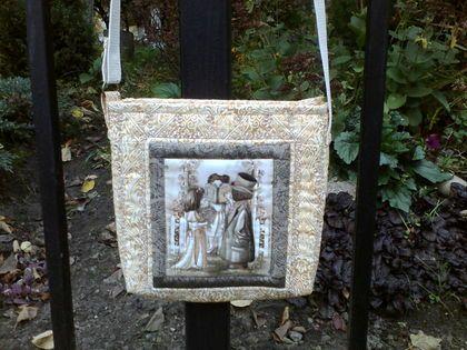 """Маленькая сумочка через плечо """"Старая фотография..."""" - бежевый,рисунок"""