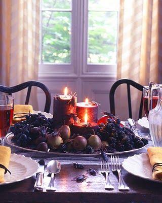 Halloween decorations  http://4.bp.blogspot.com/_SzDlZbqWQxk/TJFda_2tVQI/AAAAAAAAEyk/5RRFEhq1rRc/s400/black+cpiece