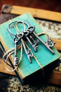vintage keys. <3