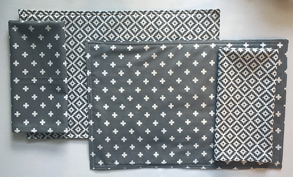 Reversible Placemats Coordinating Napkins Placemats Patterns Diy Placemats Fabric Fabric Placemats