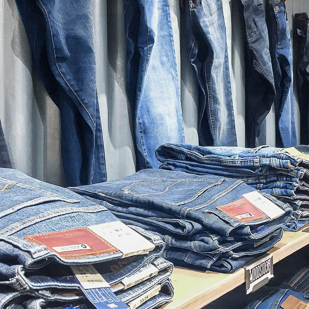 Wenn eine Jeans Woodstock heißt, dann braucht man(n) sie