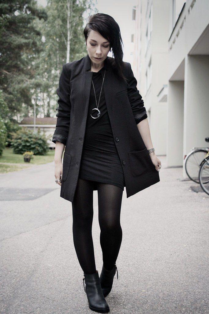 El outfit dark me gusta para usar en las fiestas de