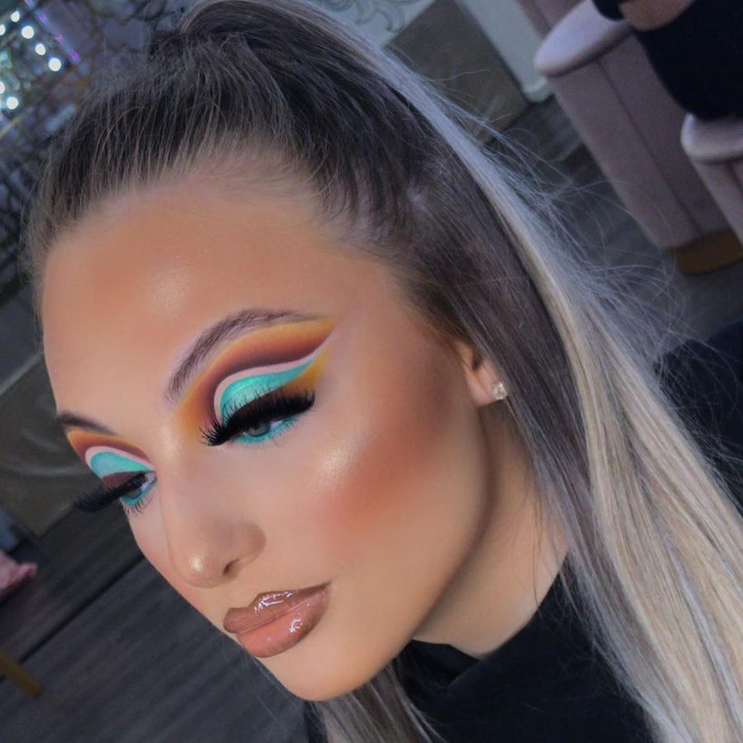 """Plouise Makeup Academy on Instagram: """"What are your 3 biggest makeup struggles? Let us know in the comments below 👇 .  @plouise_makeup_academy HINT OF MINT BASE to cut the…"""""""
