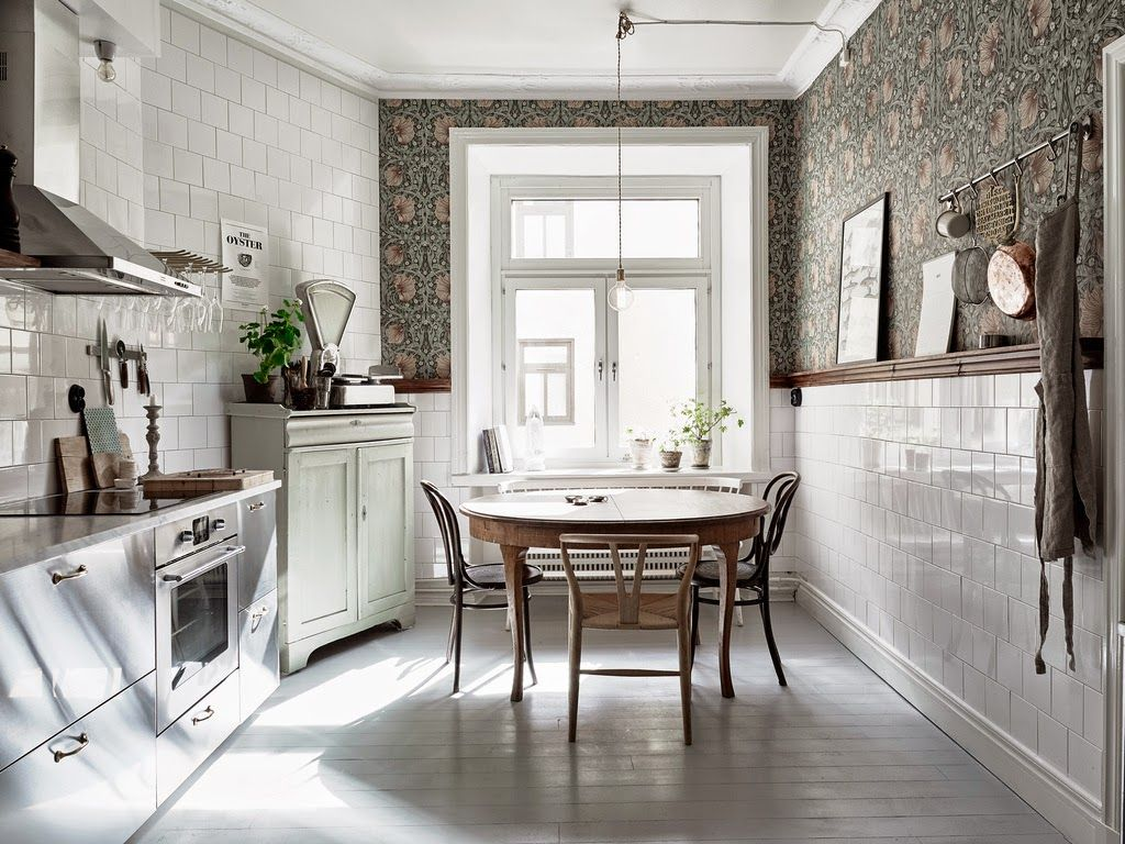 Bohemian Scandinavian boho vintage kitchen ideas and decor, William Morris Pimpernel wallpaper, stainless steel kitchen, fleamarket furniture, antiques