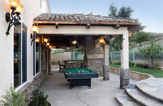 Beau This Outdoor Living Area Brings The Rec Room To The Backyard With A Pool  Table,