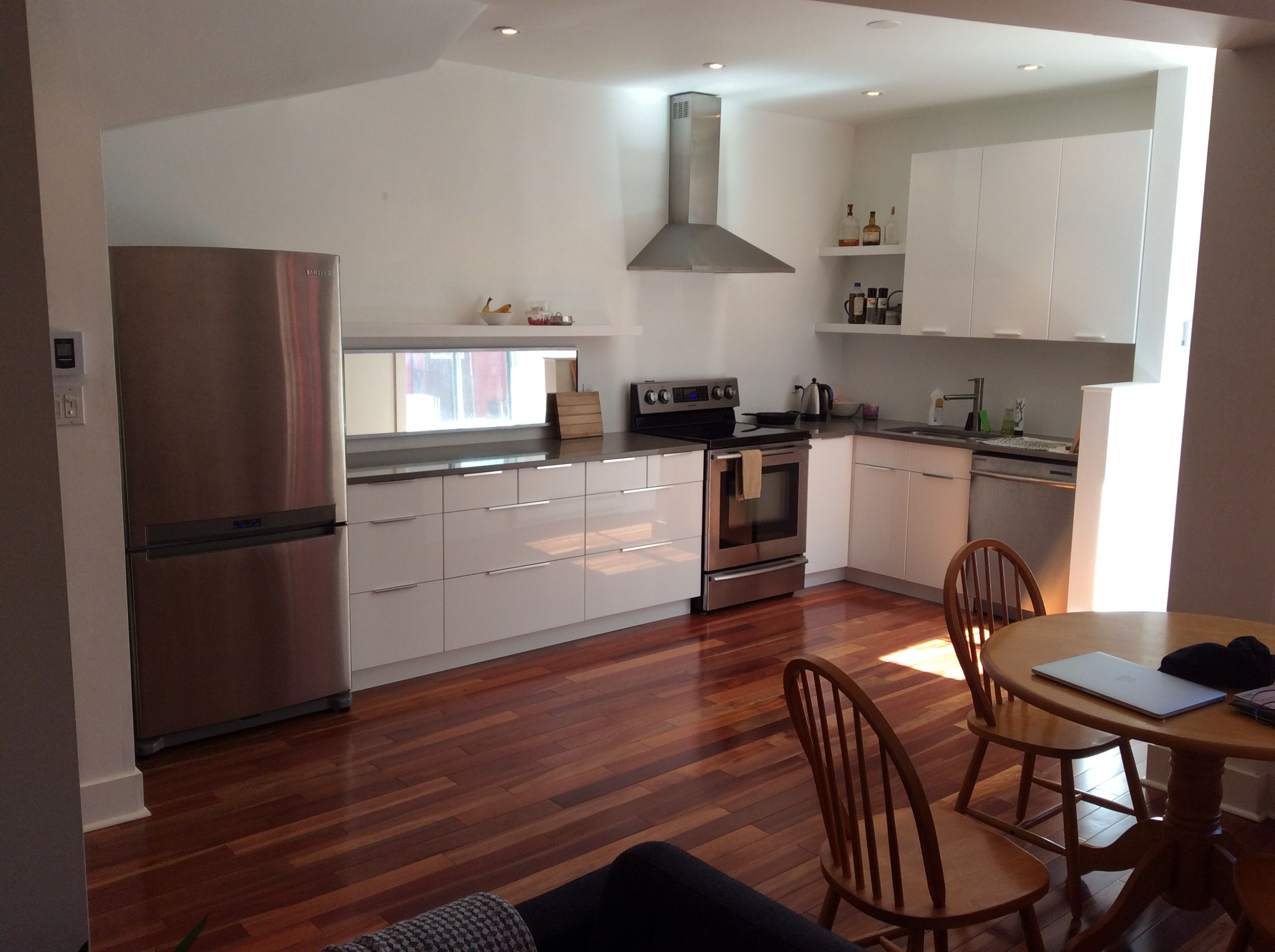 MONTREALRoommate WANTED JAN.2016 in renovated and