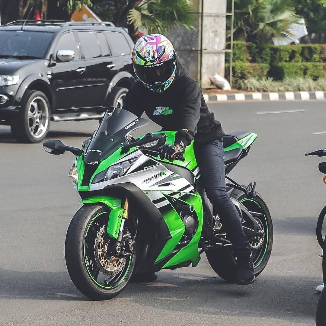 Kawasaki Ninja Zx10r | @haraldarkan | #Superbikesgram ___