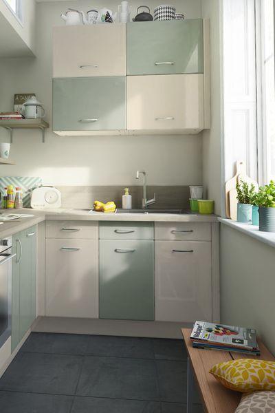 Cuisine vert et crème Sixties, portes et faces de tiroirs en MDF - repeindre un evier de cuisine