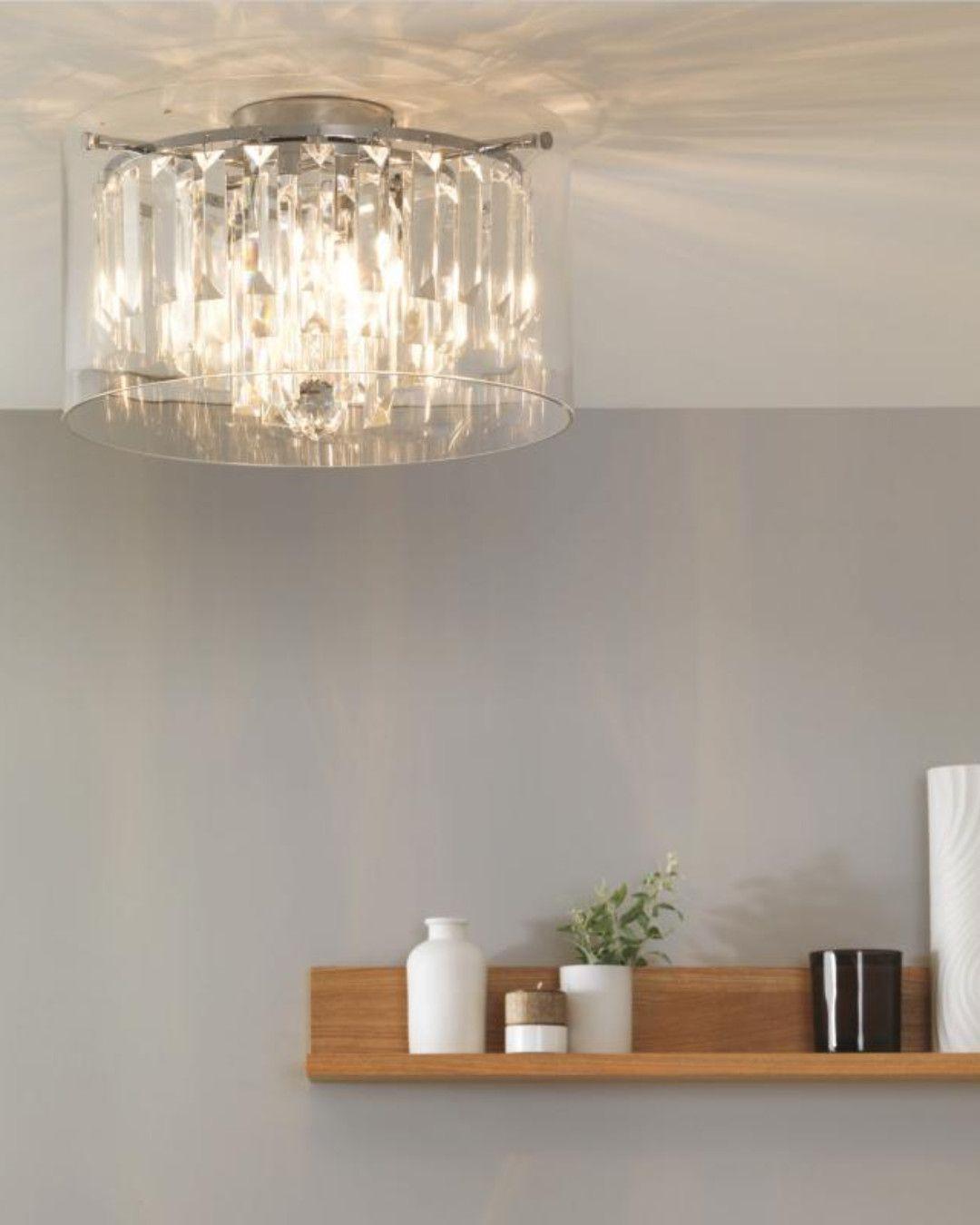 Astro Illumina Asini Einen Hauch Luxus Bringt Die Deckenleuchte In Ihr Zuhause Das Stilvolle Kronleuchter De Kronleuchter Modern Haus Deko Badezimmerleuchten