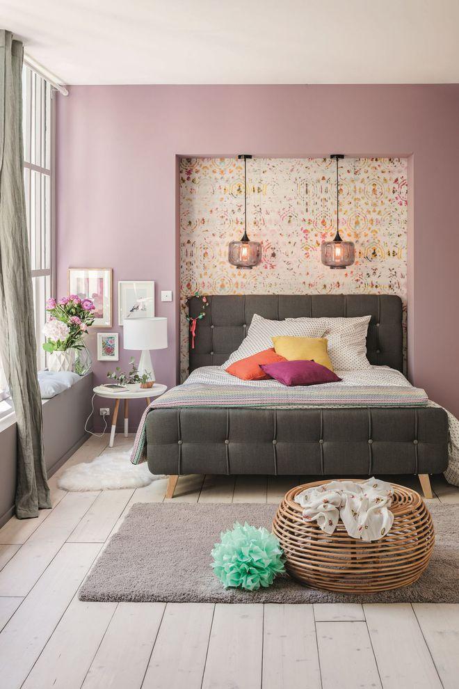 Un lit capitonné Home decor, Room decor, Decor