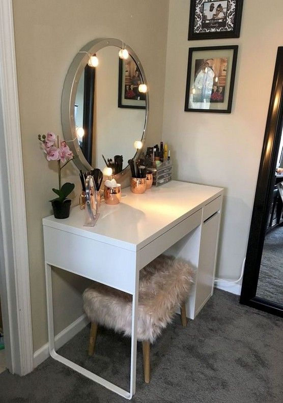 60+ Cozy DIY Makeup Tables Ideas For Your Room images