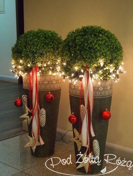 das w rde bei uns vor der t r gut aussehen weihnachtsdeko drau en weihnachtsdeco pinterest. Black Bedroom Furniture Sets. Home Design Ideas