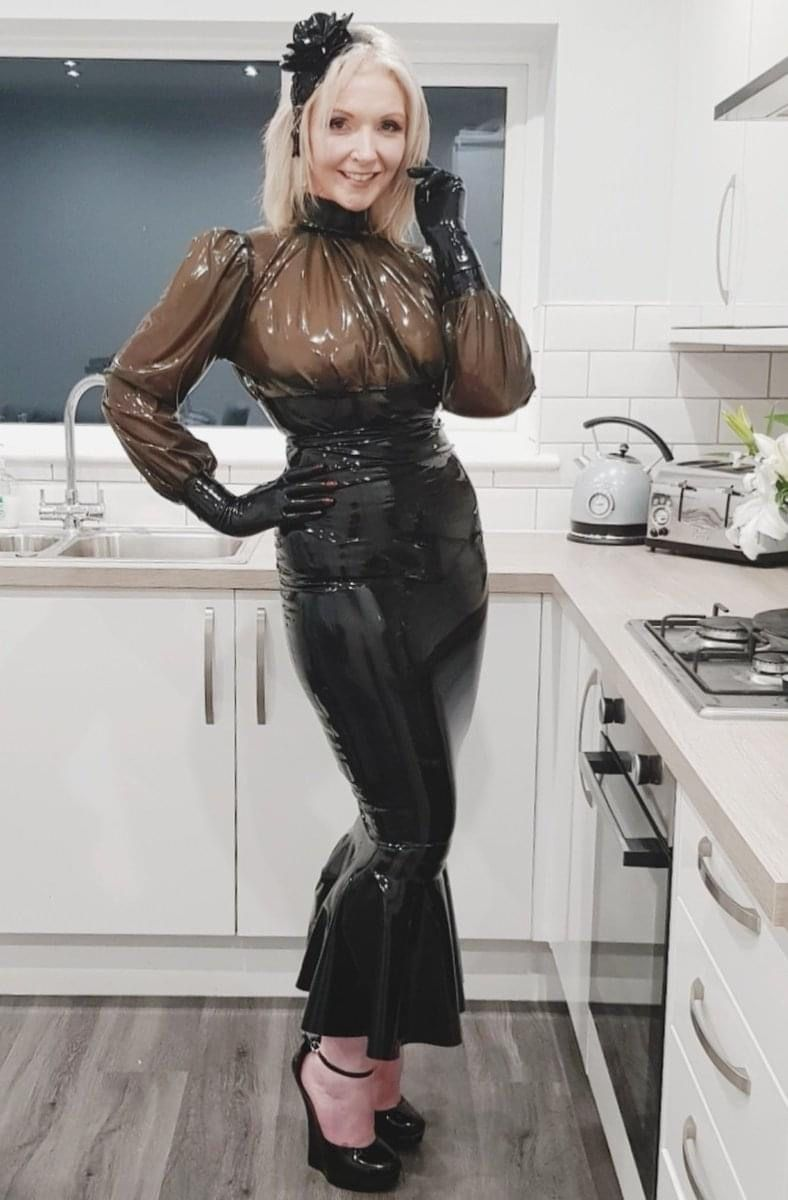 Pin auf Best Latex Outfit