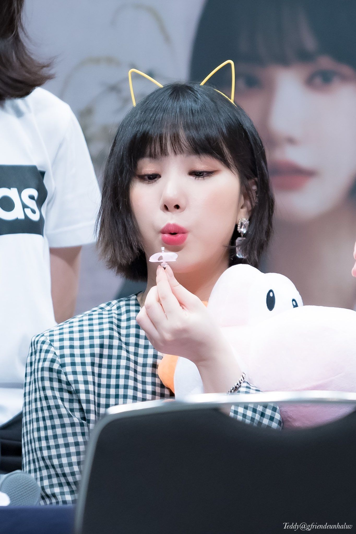 Eunha Blowing Kpop Kdrama Bts Exo Kpoparmy Korean Girl Groups Pops Concert Korean Idol