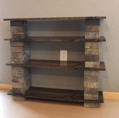 Regal aus Backsteinen und Holz selber bauen | Holzlatten