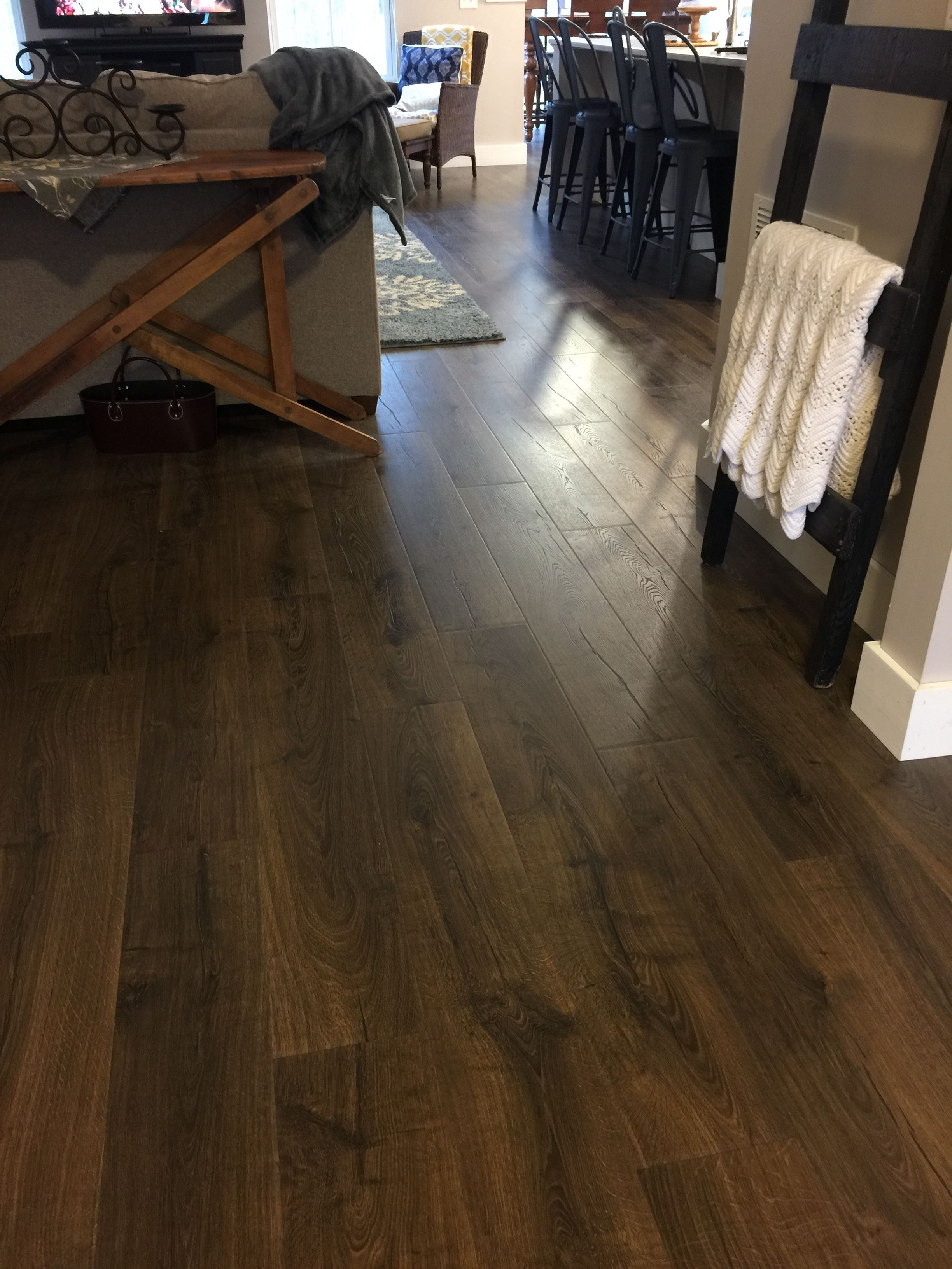 l w embossed shop ft pl max lowes accessories wood laminate pergo premier smoked com chestnut x in at floors flooring