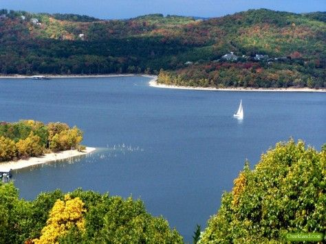 Table Rock Lake In Missouris Ozark Mountains Is A Great Getaway - Best place to stay on table rock lake missouri