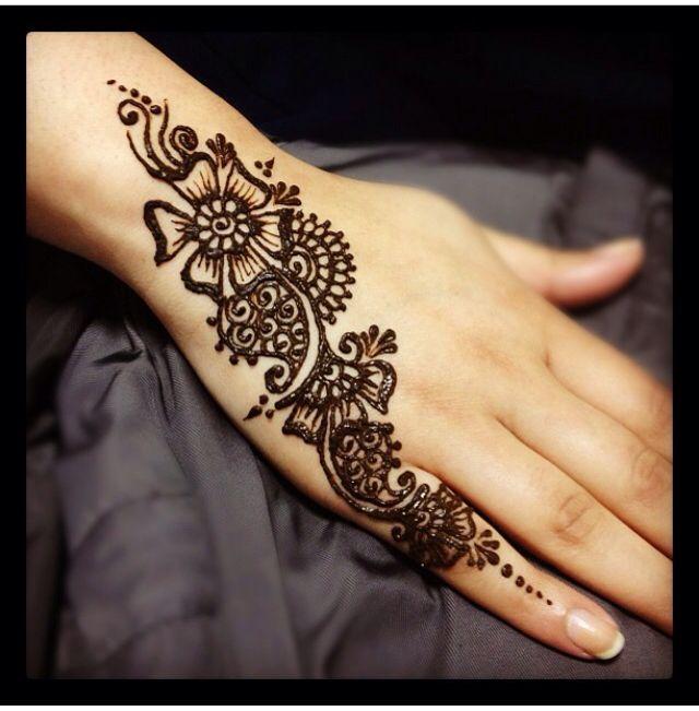 Smple Traditional Henna Tattoo Designs: #simple #design #mehndi
