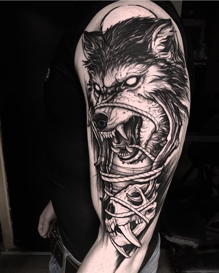 Pin de Lori en dog Pinterest Tatuajes, Tatuajes de lobo y Lobos