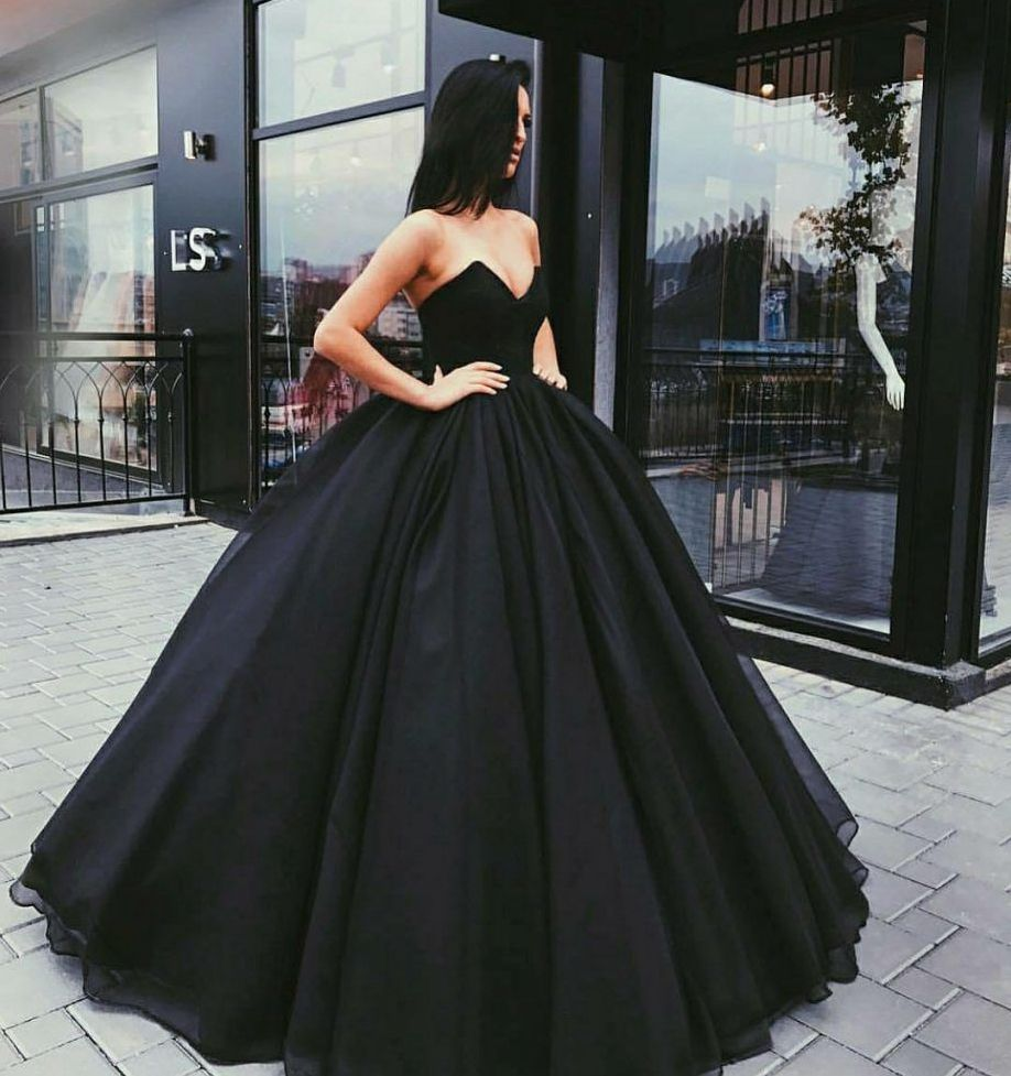 Black Sweetheart Neck Tulle Long Prom Dress Formal Dress In 2021 Prom Dresses Ball Gown Black Ball Gown Ball Gown Dresses [ 977 x 918 Pixel ]