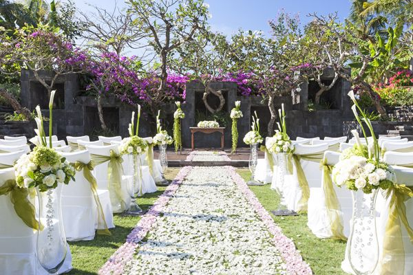 Amphitheatre Wedding at The St. Regis Bali
