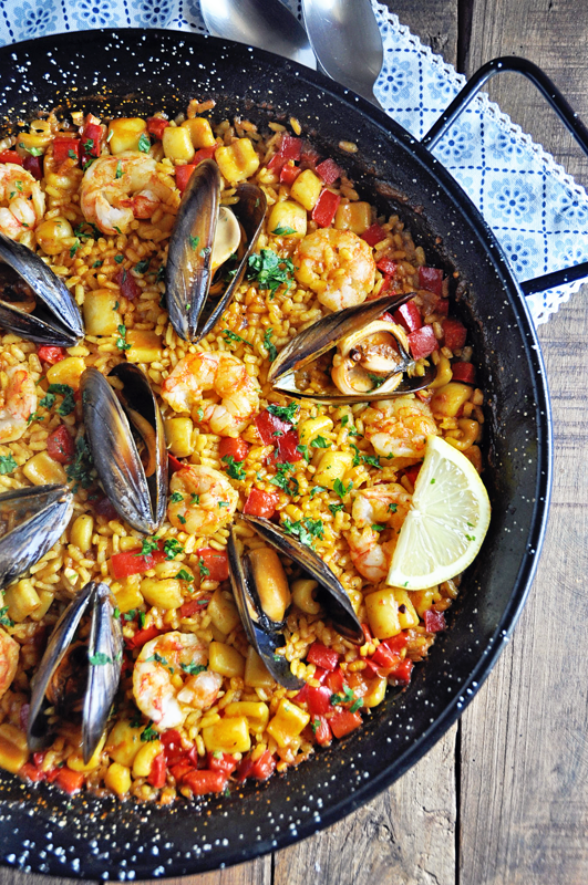 Authentic Spanish Seafood Paella Recipe - Spain on a Fork