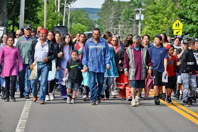 Onondaga Nation parents, protesting the rejection of a Native school principal on what they consider spurious grounds, yanked their kids out of school.