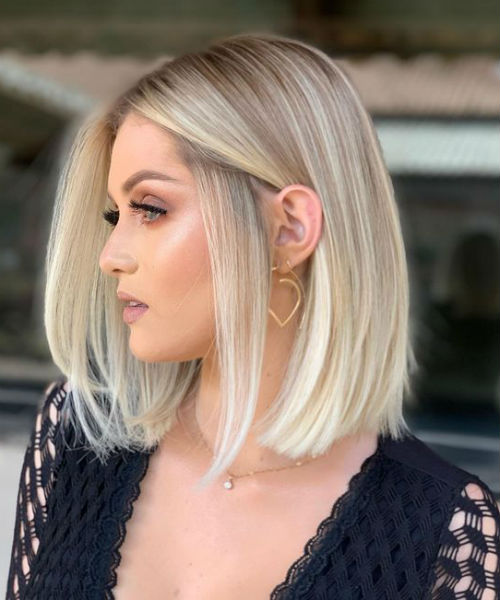 Insane Bob Hairstyles For Women To Look Hot In 2020 Viral Hairstyle In 2020 Short Blonde Hair Thick Hair Styles Blonde Hair Looks