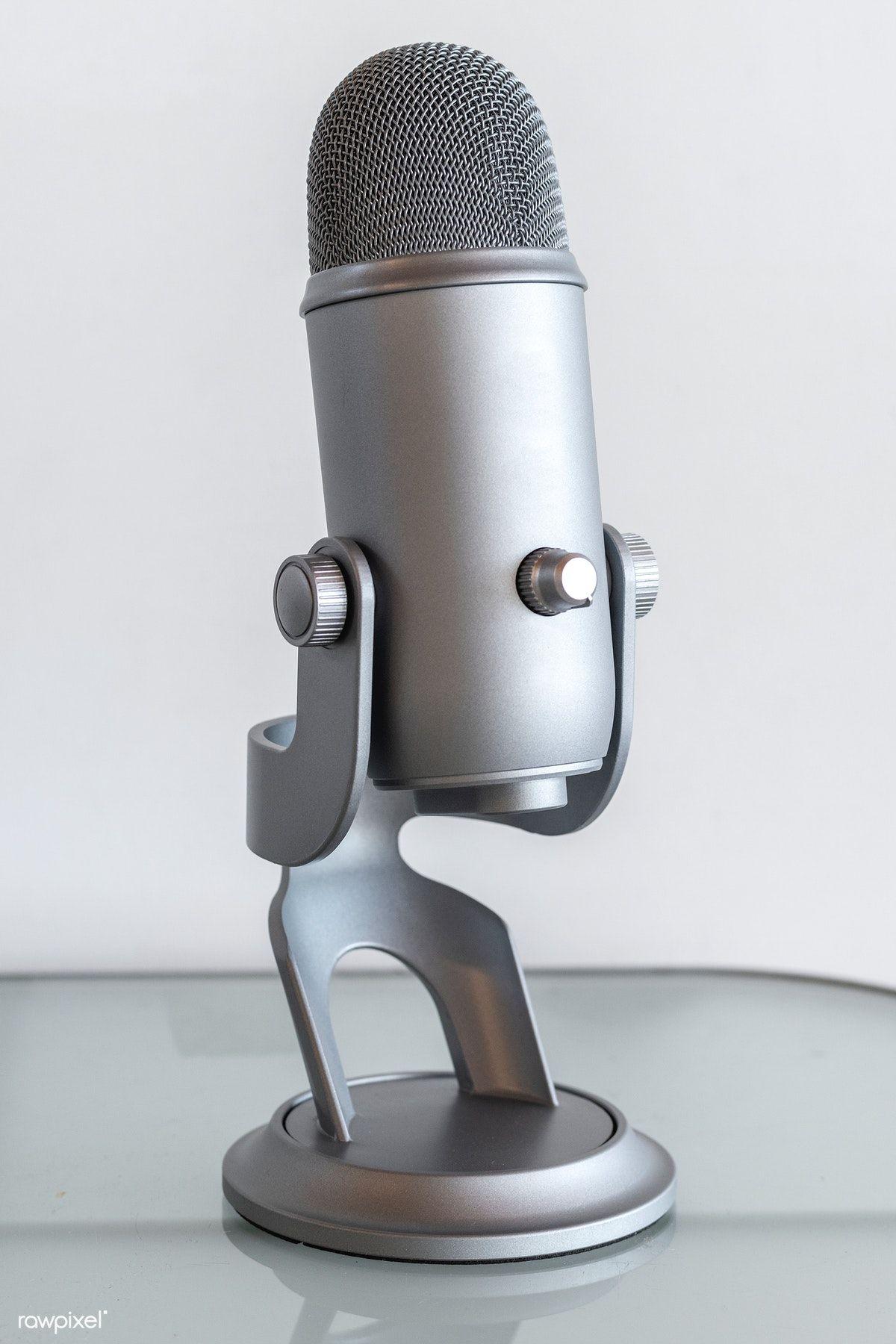 Studio microphone for recording a podcast premium image