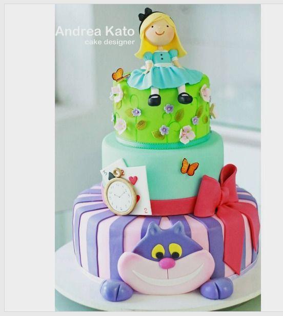 """Andrea Kato Cake Designer on Instagram: """"Alice! #alice #alicecake #boloalice #festaalice #alicenopaísdasmaravilhas"""""""