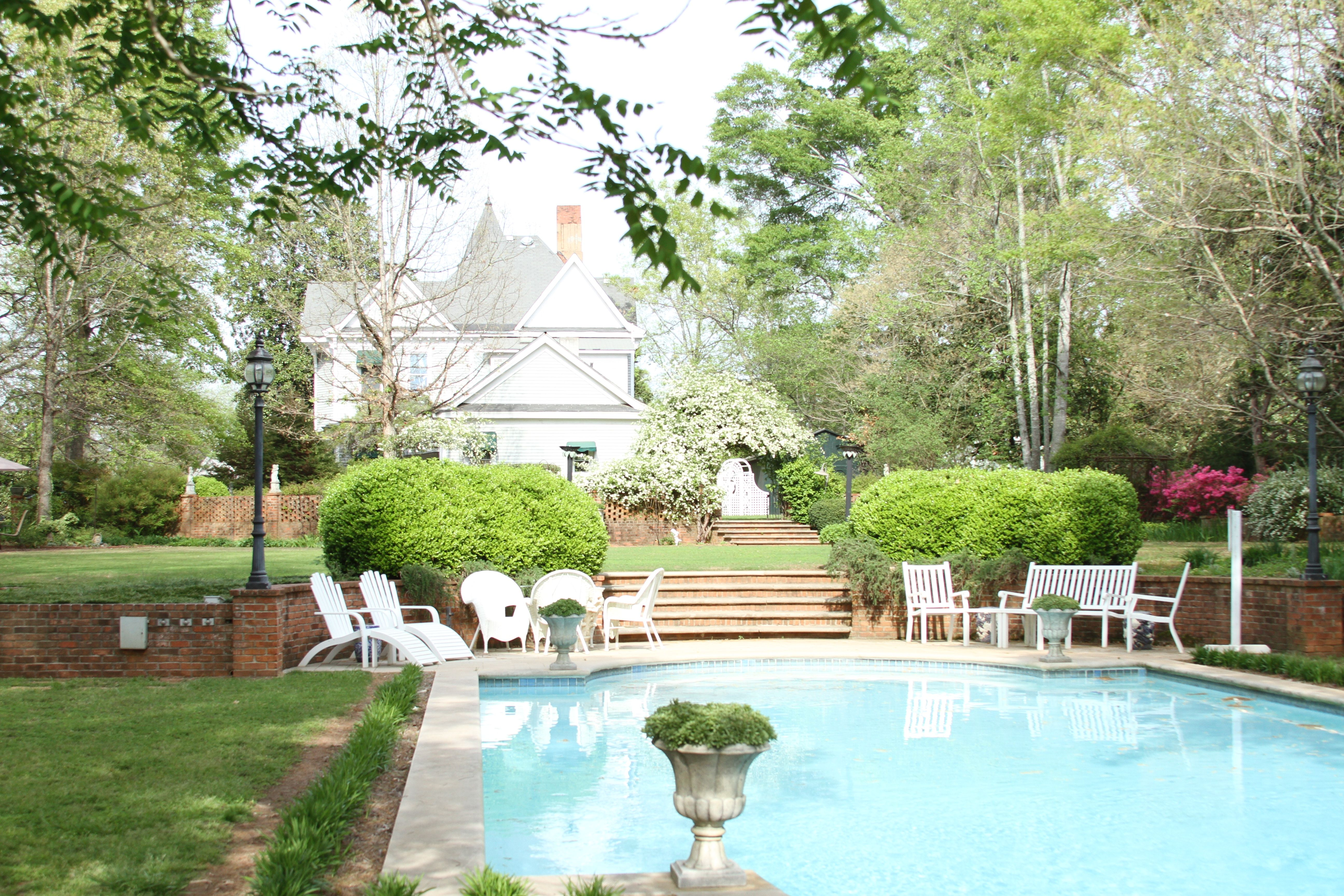 Ashford Manor Bed & Breakfast Tuscan pool, Bed and