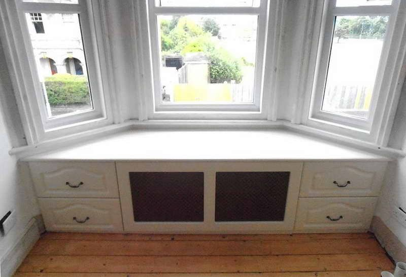 Best Bay Window Bench Diy Build Bay Window Seat With Drawers 400 x 300