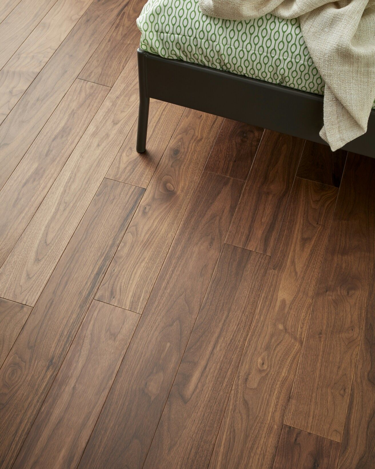 Range Raglan, Colour Walnut Engineered wood floors