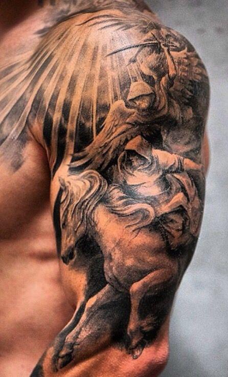 Motive männer schulterblatt tattoo Tattoo ideen