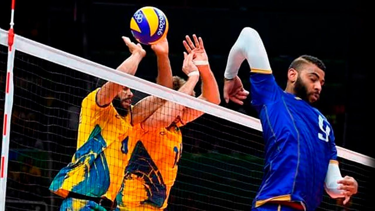 Bruno Rezende Brazil Best Volleyball Setter In The World Volleyball Setter Volleyball Photography Volleyball Poses