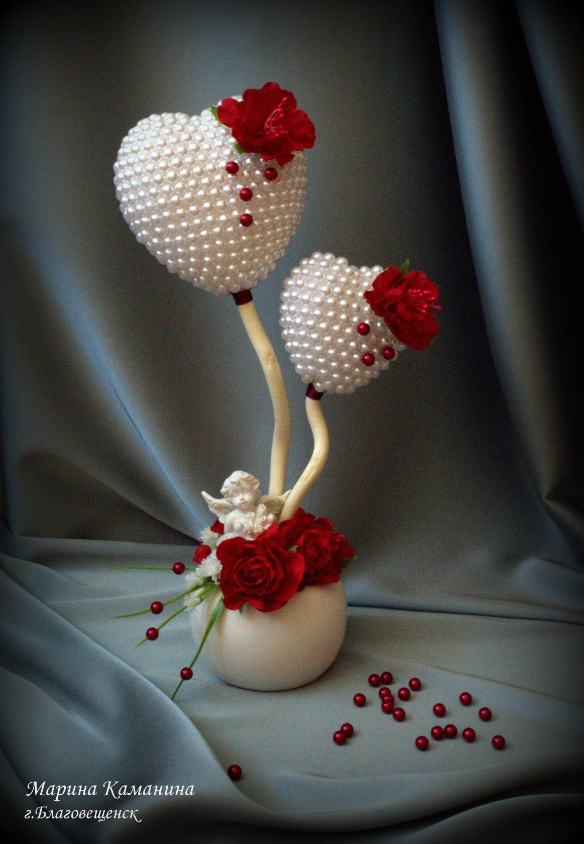 Corazones con perlas blancas y rojas corazones adorno for Manualidades souvenirs navidenos